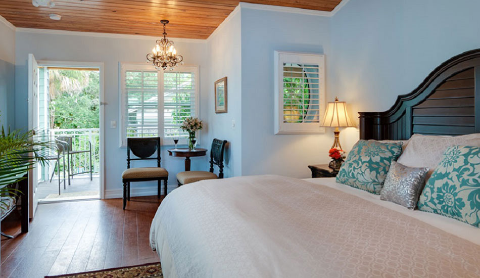 bedroom in the Caribbean Breeze room